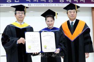 Chủ tịch Quốc hội Nguyễn Thị Kim Ngân nhận bằng Tiến sĩ danh dự của Đại học Quốc gia Pukyong